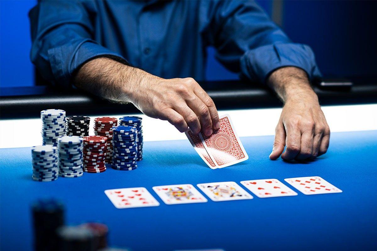 Essas atitudes fazem jogadores perderem dinheiro no poker