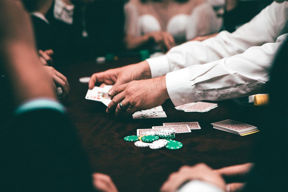 Os tipos de apostas no poker